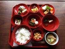 老舗の割烹料理 「泉仙」の朝ごはん