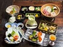 前菜からデザートまで、心づくしのお料理をお楽しみください。
