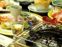 夕食は嬉しいアワビ付き♪その他海鮮もふんだんに味わえる!