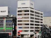 姫路駅北口より徒歩1分。姫路駅前第一ビル 6-8階
