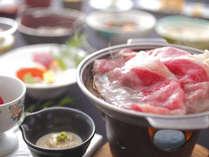 たくさんの方に喜ばれている【山形牛すきやき】と調理長お勧めの和風創作会席膳
