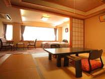 【和洋室】有馬館で一番豪華な和室。10畳+ツインベッドのお部屋です