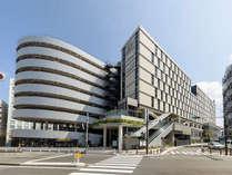 【外観】JR 横浜駅きた西口より歩行者デッキにて徒歩3分。