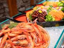 【ダイニングHINNAの森OPEN記念プラン】館内利用券1,000円付き!夕食は和洋中100種類以上のビュッフェ♪