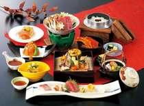 季節を彩る焼物八寸や松茸の土瓶蒸しなどをご堪能!