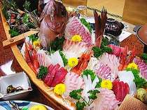 主人が釣った魚の舟盛りをお楽しみに!すべてのプランに付いています