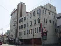 街の中心に位置し、ビジネス・観光の拠点に便利なホテル