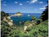 海水浴にとってもおすすめの浦富海岸☆水が透き通るほど綺麗ですよ♪お車で約15分**