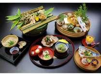 【日本料理 あら井】 季節の懐石料理を中心とした「和」の味わいを充分にご堪能下さい。