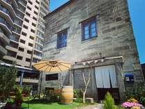 石と鉄のテラスで朝カフェを楽しみ小樽での一日を始めませんか?