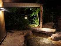 開放的なお部屋の露天風呂
