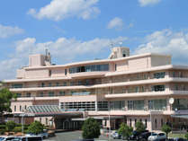 駐車場側ホテル外観400名収納可能な会議室もございます!