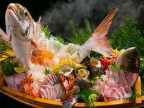 【豊後水道】で捕れた海の幸を鮮度・美しさにこだわり大胆・贅沢に目を愉しませます