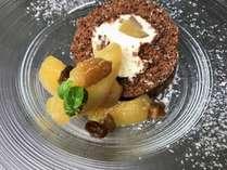 栗のココアロールケーキ