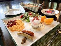 *ある日の朝食/彩り豊かなワンプレートモーニング。栄養も量も十分満足な朝食だと好評です。