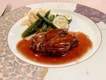 *ある日の夕食/日本有数の豪雪地帯で育った「美雪和牛」を赤ワインで煮込みました