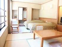 和洋室【朝霧】山側の景色をお楽しみいただけます。