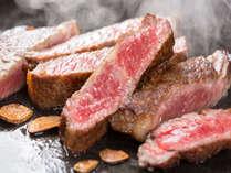 大将こだわりの松阪牛サーロイン、細かいサシ(霜降り)と箸でも切れる柔らかな肉質をご堪能