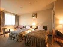 夜景を楽しむホテル パルセスイン京都
