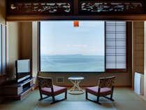 【早期予約でワンドリンク付】窓の外に美しい紀淡海峡が広がる絶景の眺望。和室・和風ツインからチョイス。