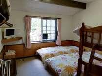 洋室4人部屋