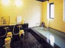 1Fの浴室