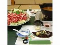 当館自慢の『ピリ辛鍋』ほど良い辛さが癖になる!!