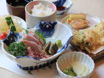 富山の幸を堪能♪ご当地日替り夕食&朝食付プラン♪