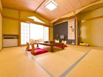 *新館和室10畳/清潔感があり広々としたお部屋でのんびりとお寛ぎ下さい。