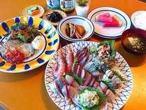 夕食には旬の大皿お刺身盛り合わせが付きます。(写真の刺身は2人盛り)
