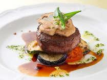 【スカイレストラン】メイン料理:肉