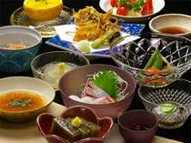 ヘルシーな野菜中心のお食事が並びます!お母様との2人旅、働くOLさんやお友達とのご旅行にどうぞ♪