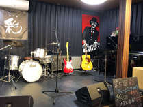 *【ライブスペース】音楽好きは大歓迎!当館隣接のレストラン「彩」では毎月ライブを開催しております。