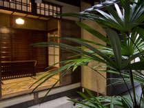 京町家の風情を強く残す玄関