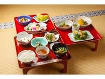 お寺で宿泊精進料理堪能プラン「三の膳付き」のお料理です。