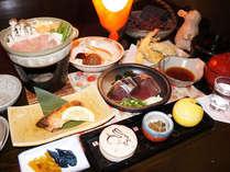 旬の地元食材にこだわった龍河温泉自慢の基本会席料理です【写真一例】