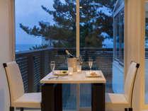レストラン「Covo di Mare」日本海の夕日を眺めながら特別なディナーを。