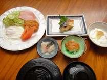 *[朝食/和食一例]日替わりで「和食」又は「洋食」をご用意致します