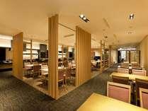 日本料理「美浜」白木を基調とした和モダンな空間