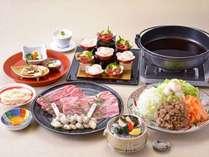 (12月~2月)好評『鮑磯揚げ』!近江牛の2つ部位を食べ比べに冬の味覚『牡蠣』のすきやき特撰御膳