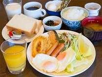 朝食盛り付け例