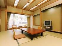 本館客室(バス・トイレ付)和室または和洋室のお部屋となります
