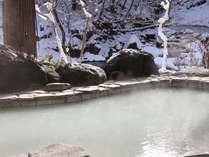 冬季は赤川渓谷を望む雪見露天風呂がお楽しみいただけます。