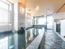 大浴場(15F):営業時間17:00から26:00/翌6:00から10:00まで。