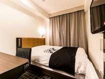 ダブル・10平米・140cm幅ベッド