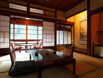 【大正館】古材を利用した旅情たっぷりのお部屋で、ゆったりとお過ごしください。