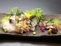 別注料理 【いわな姿造り】 /1,575円 ~生け簀から採れ立ての岩魚をご賞味くださいませ♪~