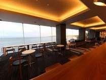 ☆新ロビー『ロカ岬』×リニューアルオープン記念☆オシャレなBARで、スパークリングワイン1杯サービス付