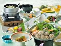 地頭鶏つみれ鍋や新筍など、旬の食材をお手頃価格でお楽しみいただける1泊2食会席料理プラン
