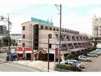 豊田市市街地及び、トヨタ自動車本社から1.5km。閑静な住宅街にございます。